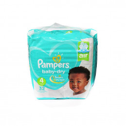Couche Pampers maxi 9-18kg...